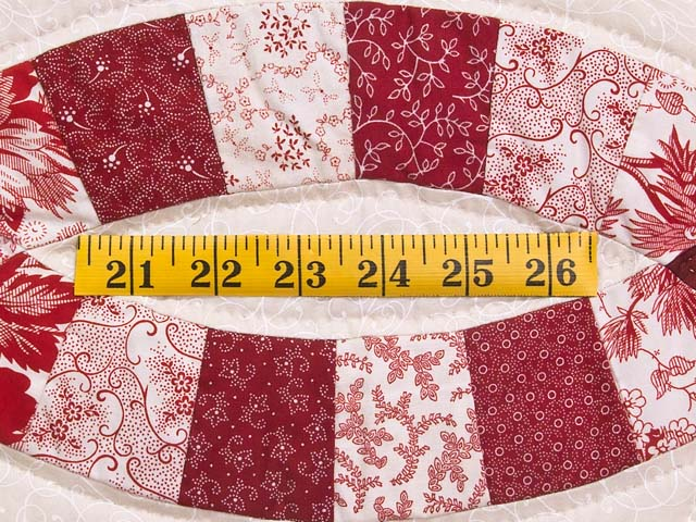 Scarlet and White Double Wedding Ring Quilt Photo 6