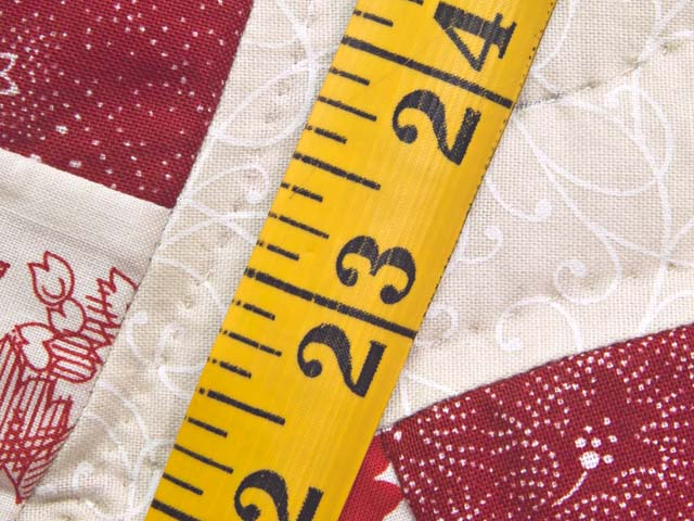 Scarlet and White Double Wedding Ring Quilt Photo 8