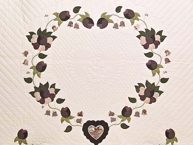 Plum Mauve and Green Heart of Roses  King Size Bed Quilt Photo 3