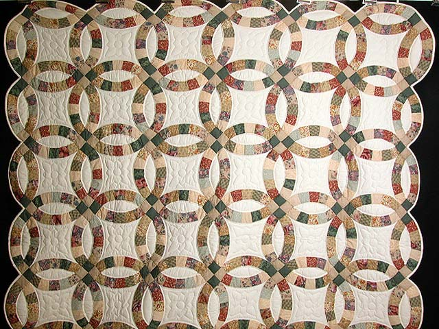 Earth-Tones Double Wedding Ring Quilt Photo 2