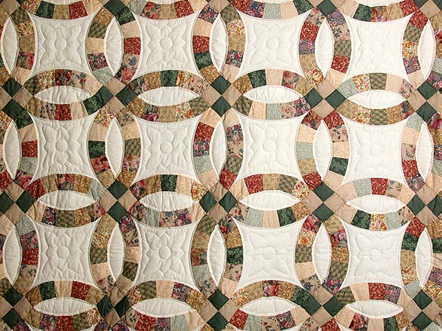 Earth-Tones Double Wedding Ring Quilt Photo 3