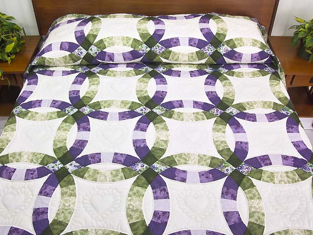 Double Wedding Ring Quilt -- magnificent meticulously made Amish ... : quilt purple - Adamdwight.com