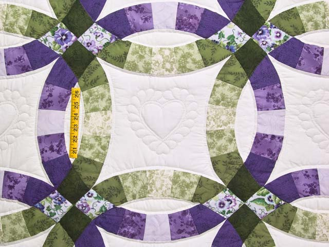 Green and Purple Double Wedding Ring Quilt Photo 4