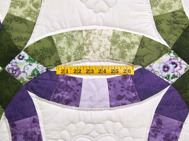 Green and Purple Double Wedding Ring Quilt Photo 5