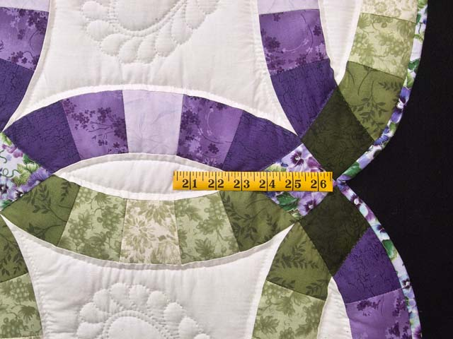 Green and Purple Double Wedding Ring Quilt Photo 7