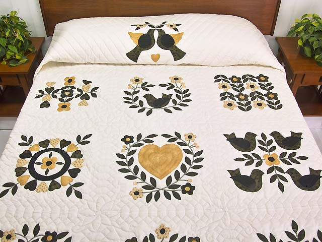 Black and Gold Applique Album Sampler Quilt Photo 1
