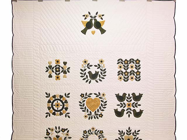 Black and Gold Applique Album Sampler Quilt Photo 2