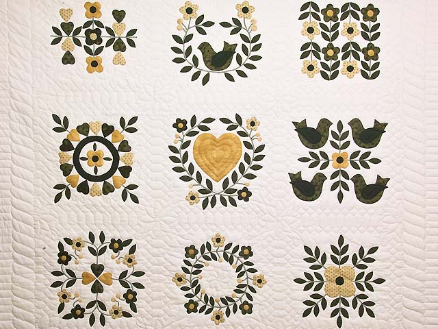 Black and Gold Applique Album Sampler Quilt Photo 3