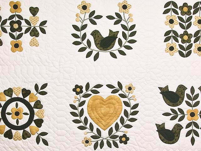 Black and Gold Applique Album Sampler Quilt Photo 4