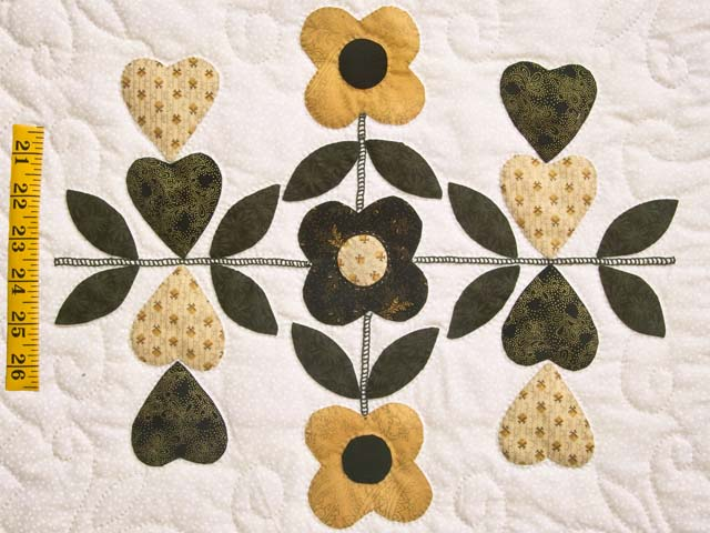 Black and Gold Applique Album Sampler Quilt Photo 5