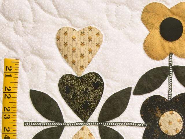 Black and Gold Applique Album Sampler Quilt Photo 6