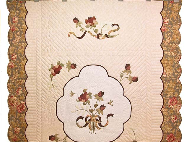 Rose Sage and Taupe Lancaster Treasures Quilt Photo 2