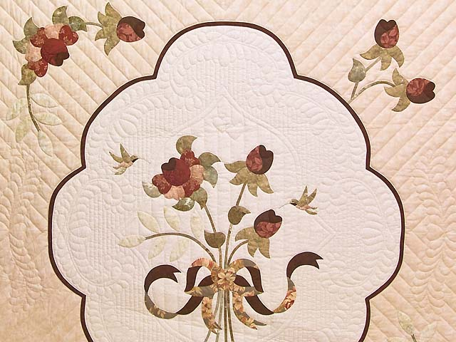 Rose Sage and Taupe Lancaster Treasures Quilt Photo 3