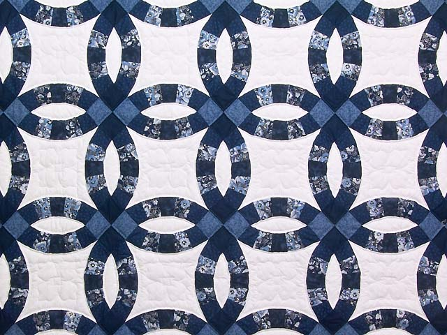 Navy Blue and Cream Double Wedding Ring Quilt Photo 3