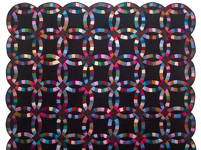 Almost Amish Double Wedding Ring Quilt Photo 2