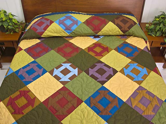 Midwest Amish Churn Dash Quilt Photo 1