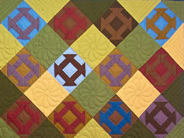 Midwest Amish Churn Dash Quilt Photo 3