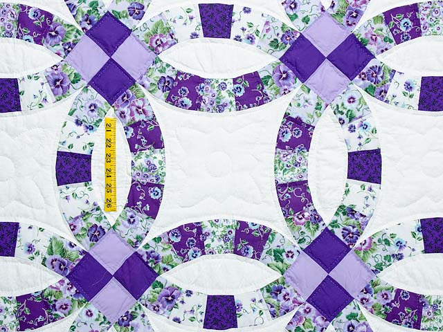 Lavender and Green Double Wedding Ring Quilt Photo 4