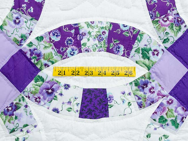 Lavender and Green Double Wedding Ring Quilt Photo 5