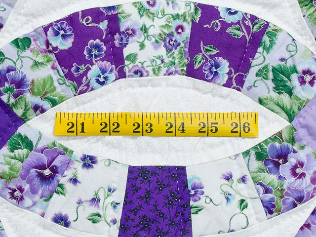 Lavender and Green Double Wedding Ring Quilt Photo 6