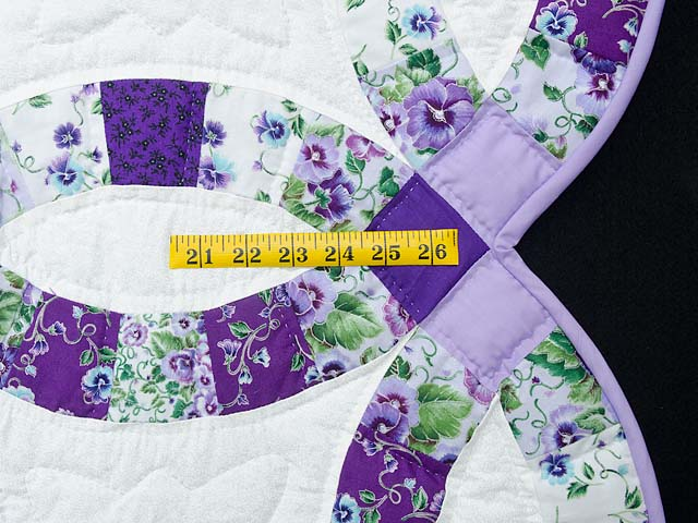 Lavender and Green Double Wedding Ring Quilt Photo 7