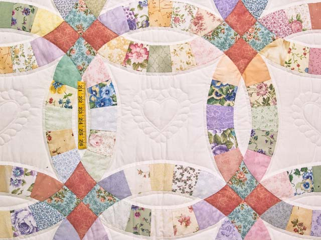 King Pastel Double Wedding Ring Quilt Photo 4