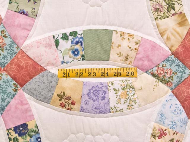 King Pastel Double Wedding Ring Quilt Photo 5