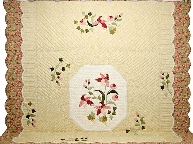 King Pink Rose and Golden Tan Petal Showcase Quilt Photo 2