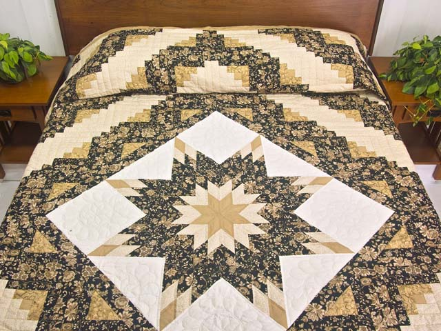 Golden Tan and Black Lone Star Log Cabin Quilt Photo 1
