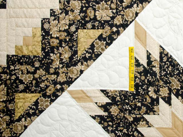 Golden Tan and Black Lone Star Log Cabin Quilt Photo 4