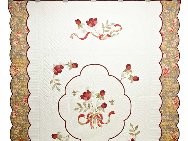 Red Taupe and Gold Lancaster Treasures Quilt Photo 2