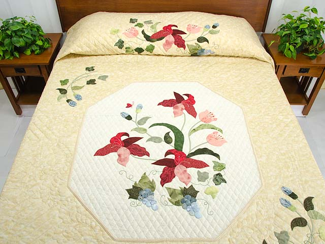 Coral Blue and Tan Petal Showcase Quilt Photo 1