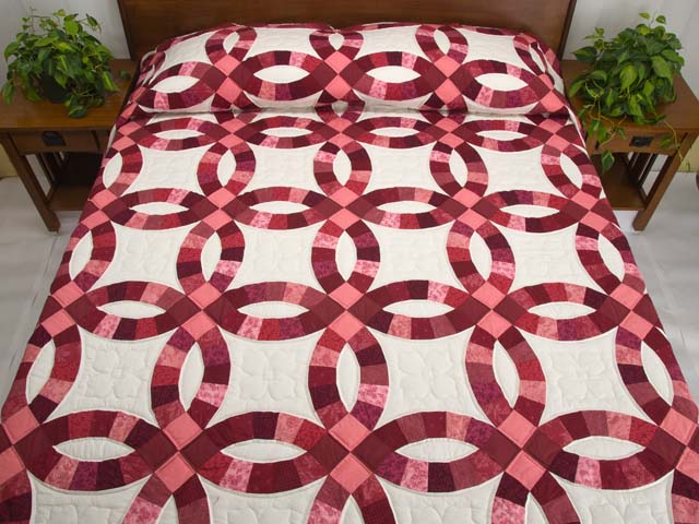 Rose And Cream Double Wedding Ring Quilt Photo 1
