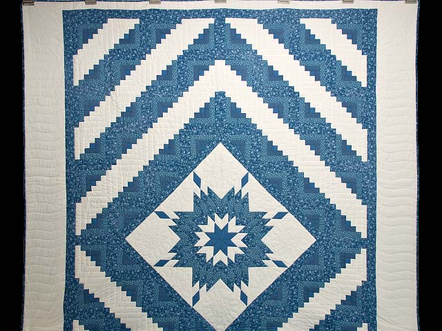 Blue and Cream Lone Star Log Cabin Quilt Photo 2