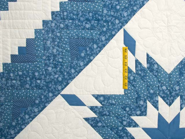 Blue and Cream Lone Star Log Cabin Quilt Photo 4