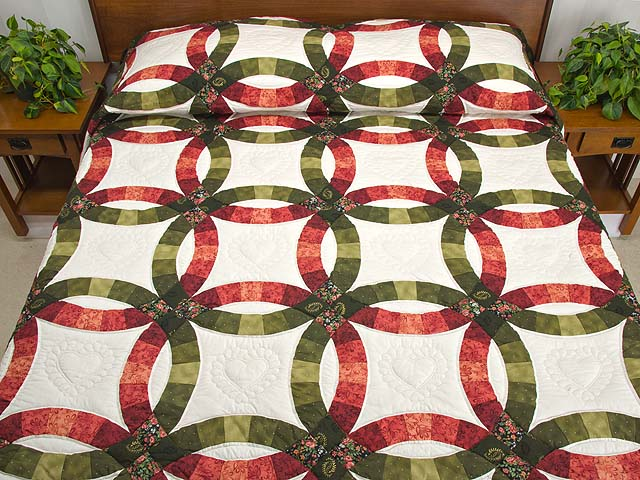 Brick Red and Moss Green Double Wedding Ring Quilt Photo 1