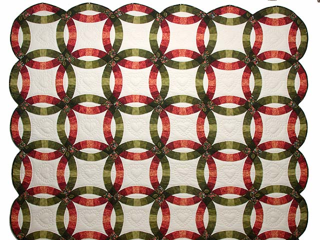 Brick Red and Moss Green Double Wedding Ring Quilt Photo 2
