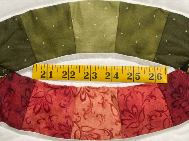Brick Red and Moss Green Double Wedding Ring Quilt Photo 6