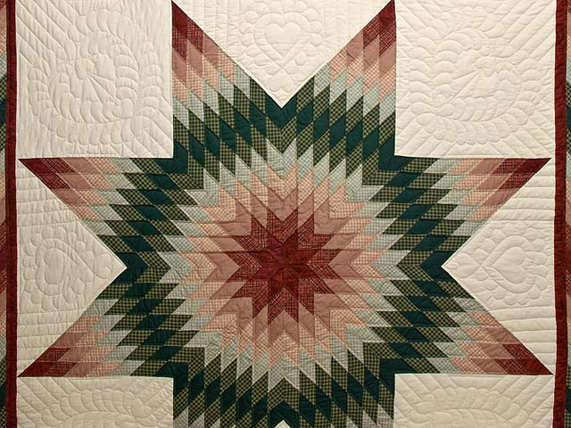 Burgundy and Green Plaid Lone Star Quilt Photo 3