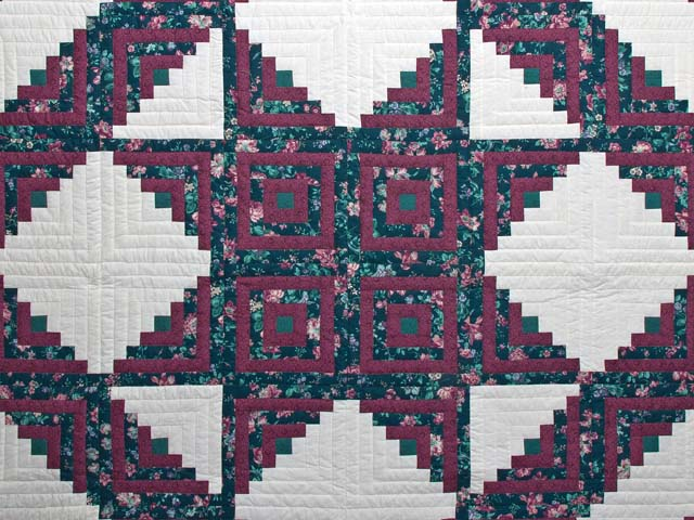 Plum Rose and Green Log Cabin Star Quilt Photo 3