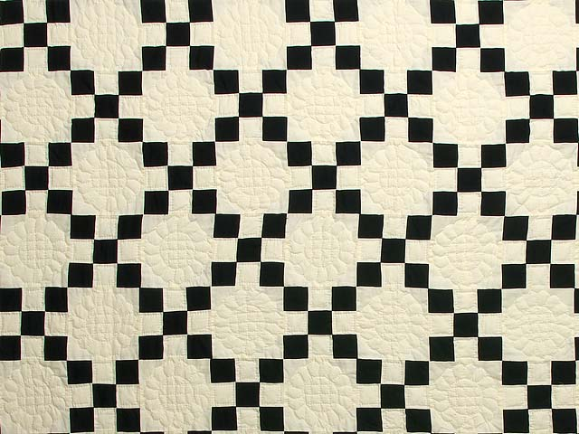 Black and Cream Nine Patch Quilt Photo 3
