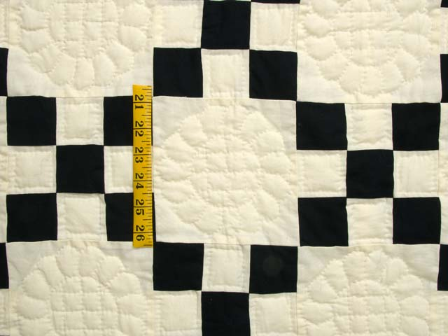 Black and Cream Nine Patch Quilt Photo 4