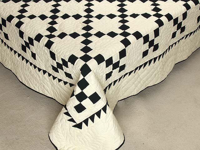 Black and Cream Nine Patch Quilt Photo 7