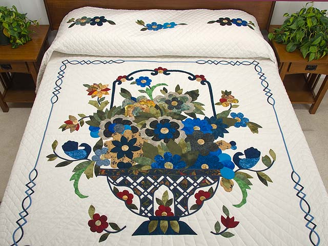 King Blue Daisy Quilt Photo 1