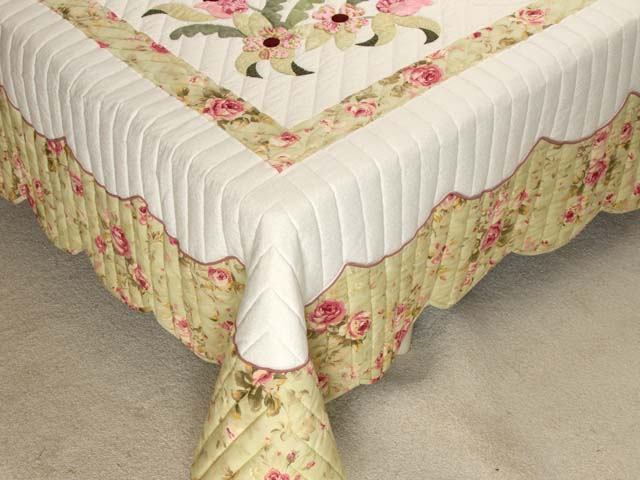 King Sea-foam Green and Rose Spring Basket Quilt Photo 7