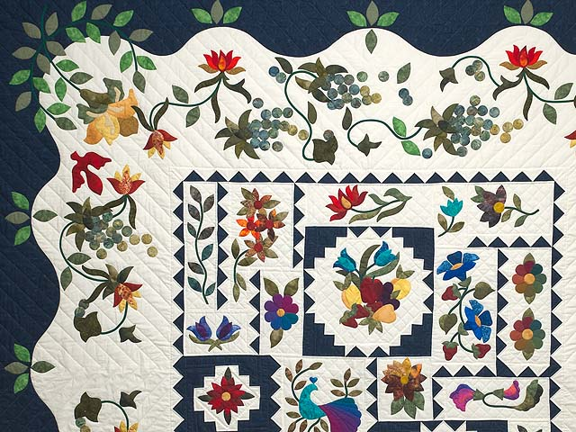 King Navy and Multicolor New Wine Quilt Photo 3