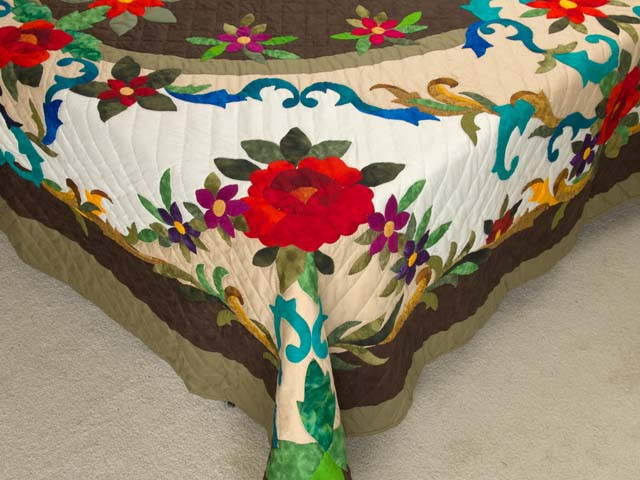 Moss Brown and Multicolor Regal Rose Quilt Photo 7