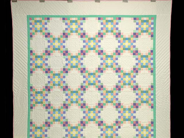 Pastel Triple Irish Chain Quilt Photo 2