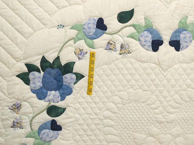 King Blue Violet and Yellow Heart of Roses Quilt Photo 4
