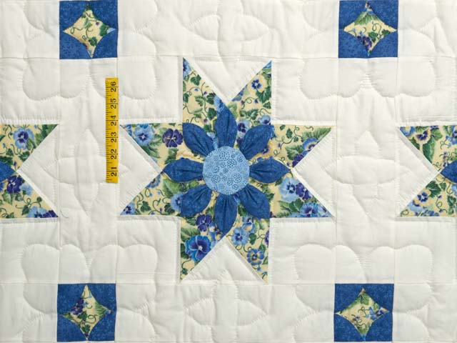 Blue Yellow and Cream Dahlia Star Quilt Photo 4